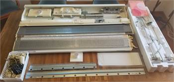 BULKY knitting machine PLUS much more! Knitting machine, Ribber, and Color Changer